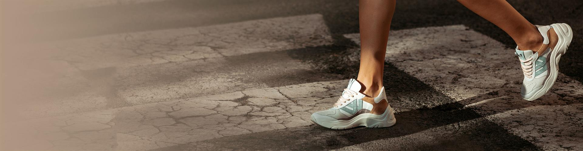 01-Trendpagina-Schoenen-Sneakers-SliderDesktop-3840x1000px-2602